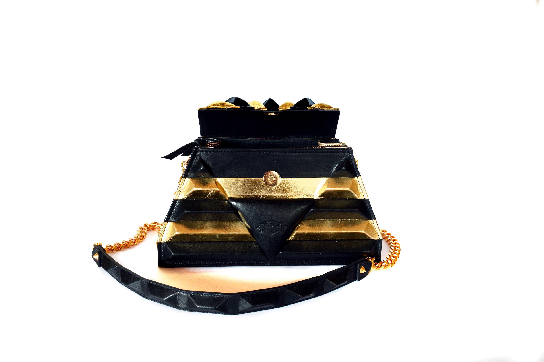 open-golden-sphinx-harleq-bag