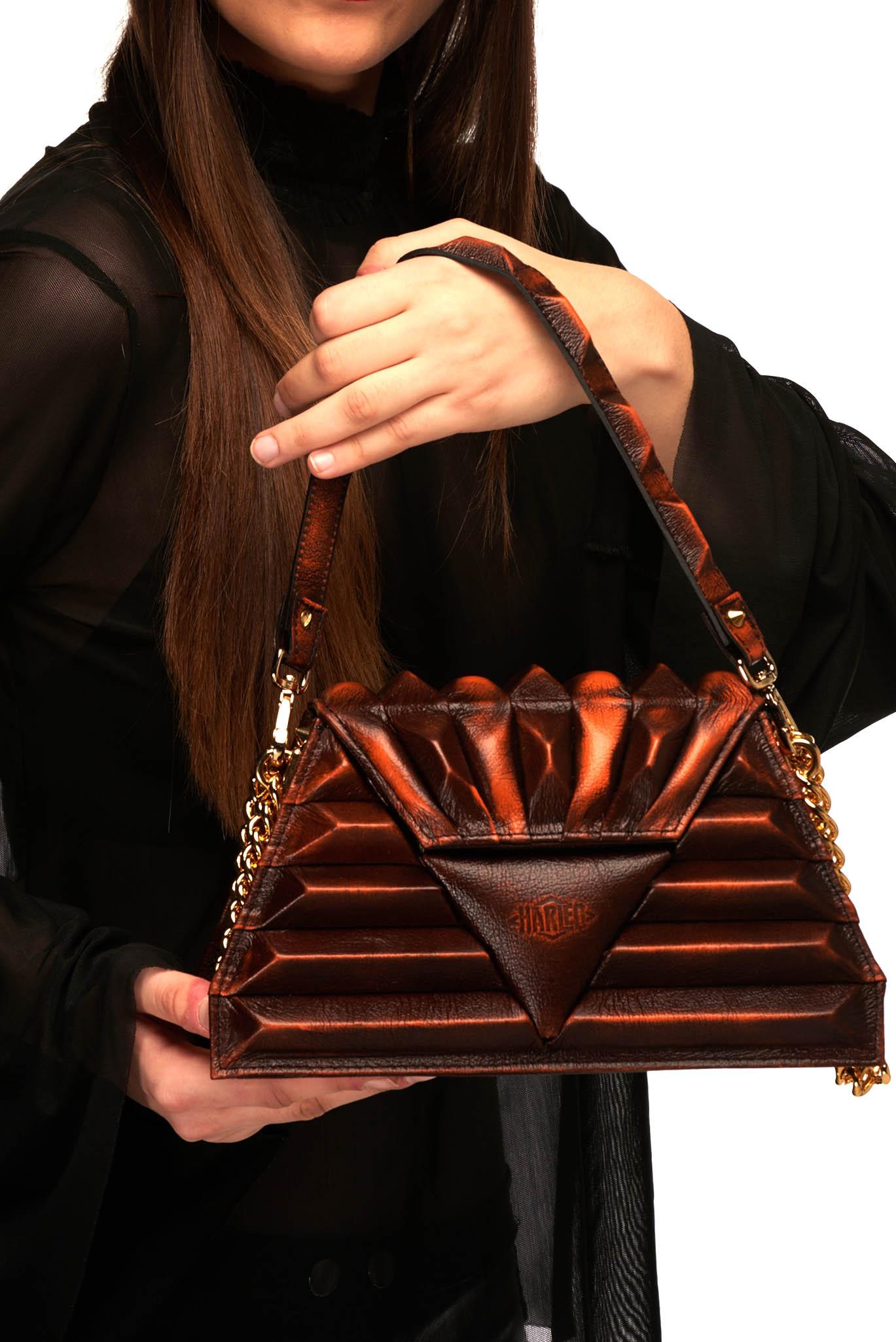 Harleq spinx pochette orange leather