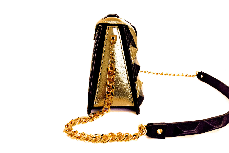 golden-pochette-harleq-sphinx-side