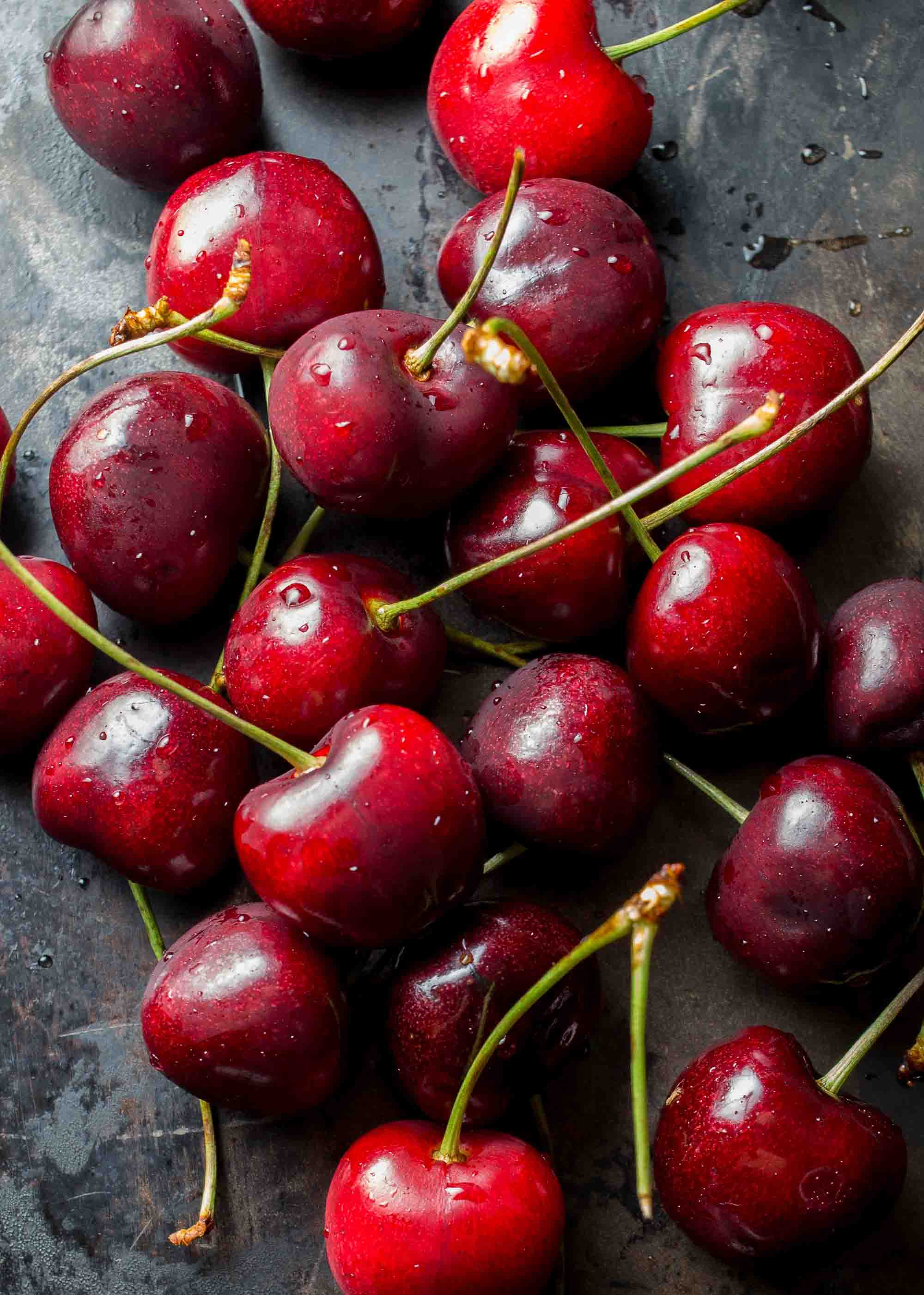 harleq-red-cherry-backgrnd