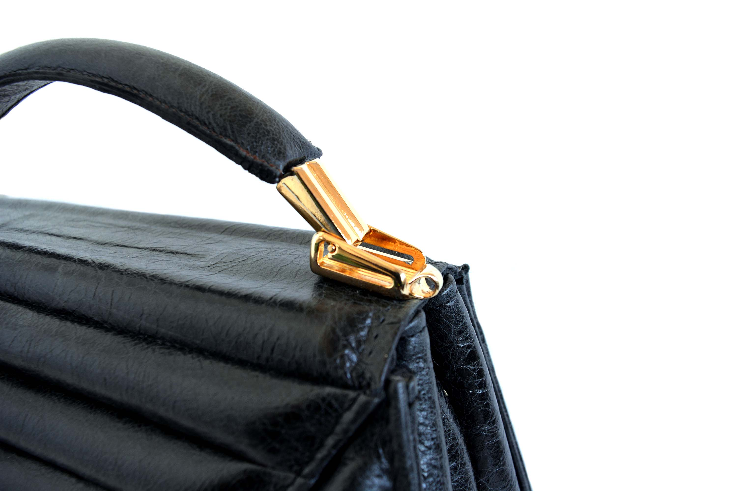 harleq-black-leather-bag-detail