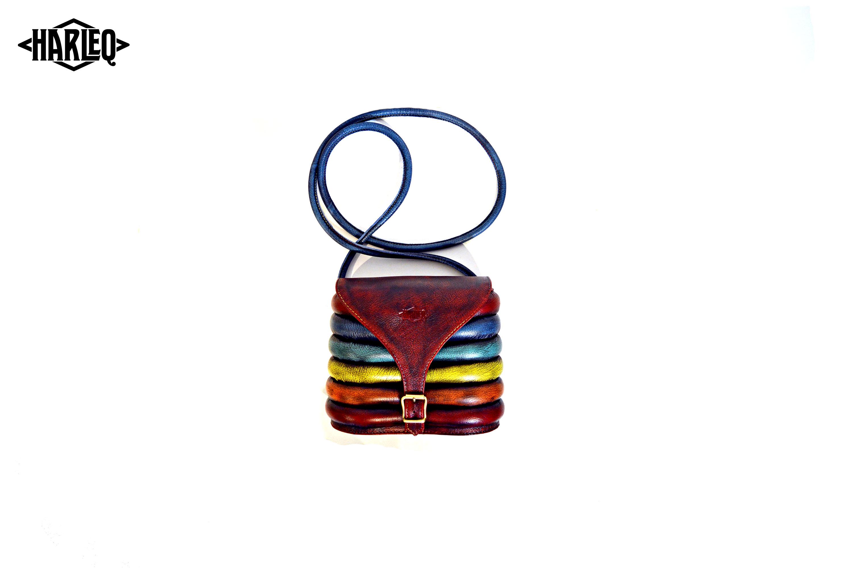 harleq-curvy-pochette-rainbow-4