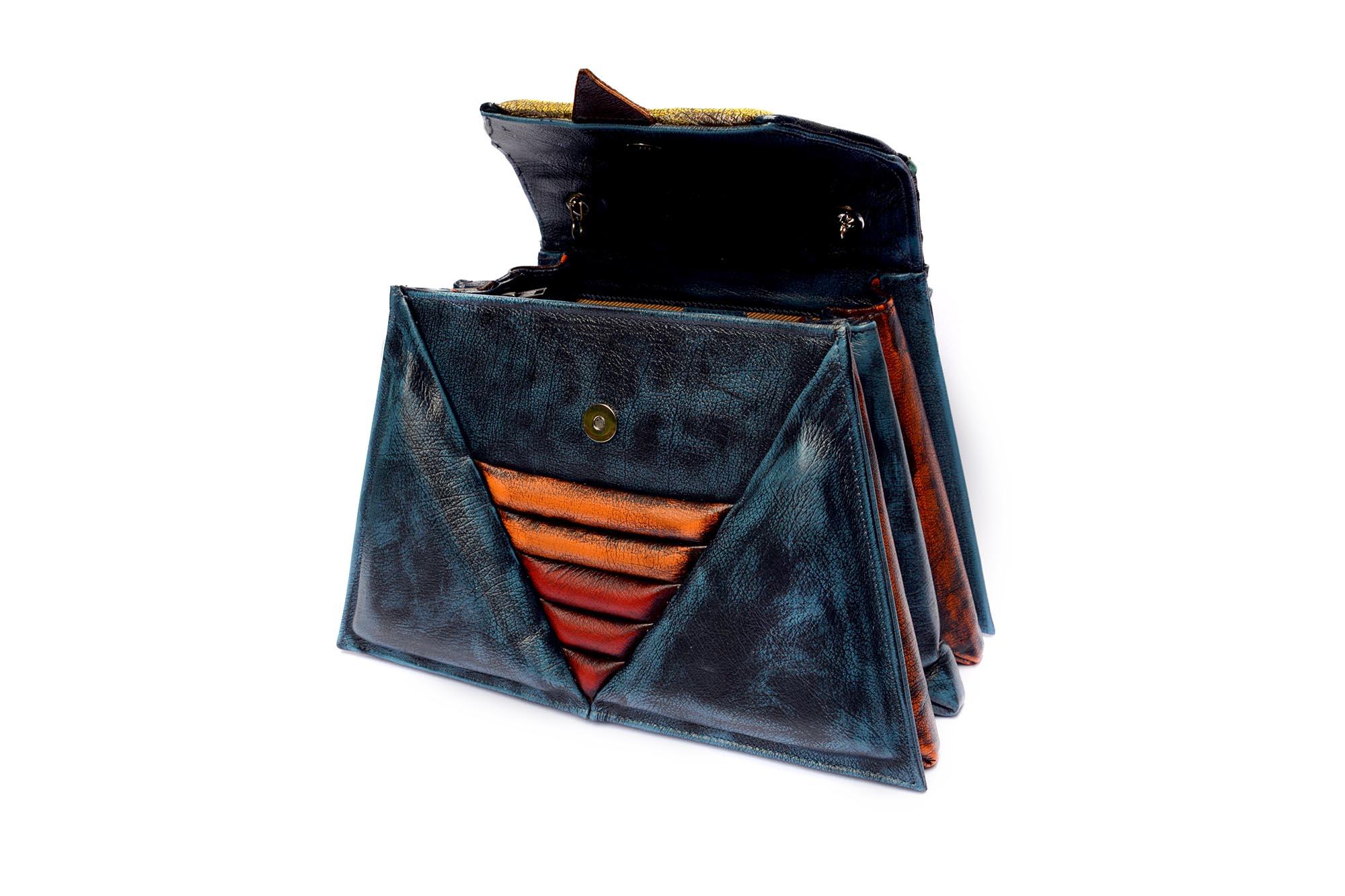 harleq-luxury-bag-triangles-vintage-leathers