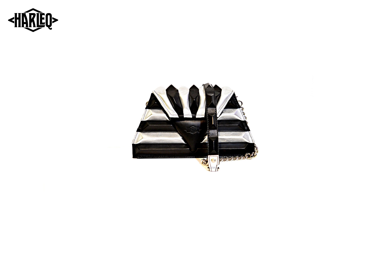 harleq-sphinx-pochette-silver-black-3
