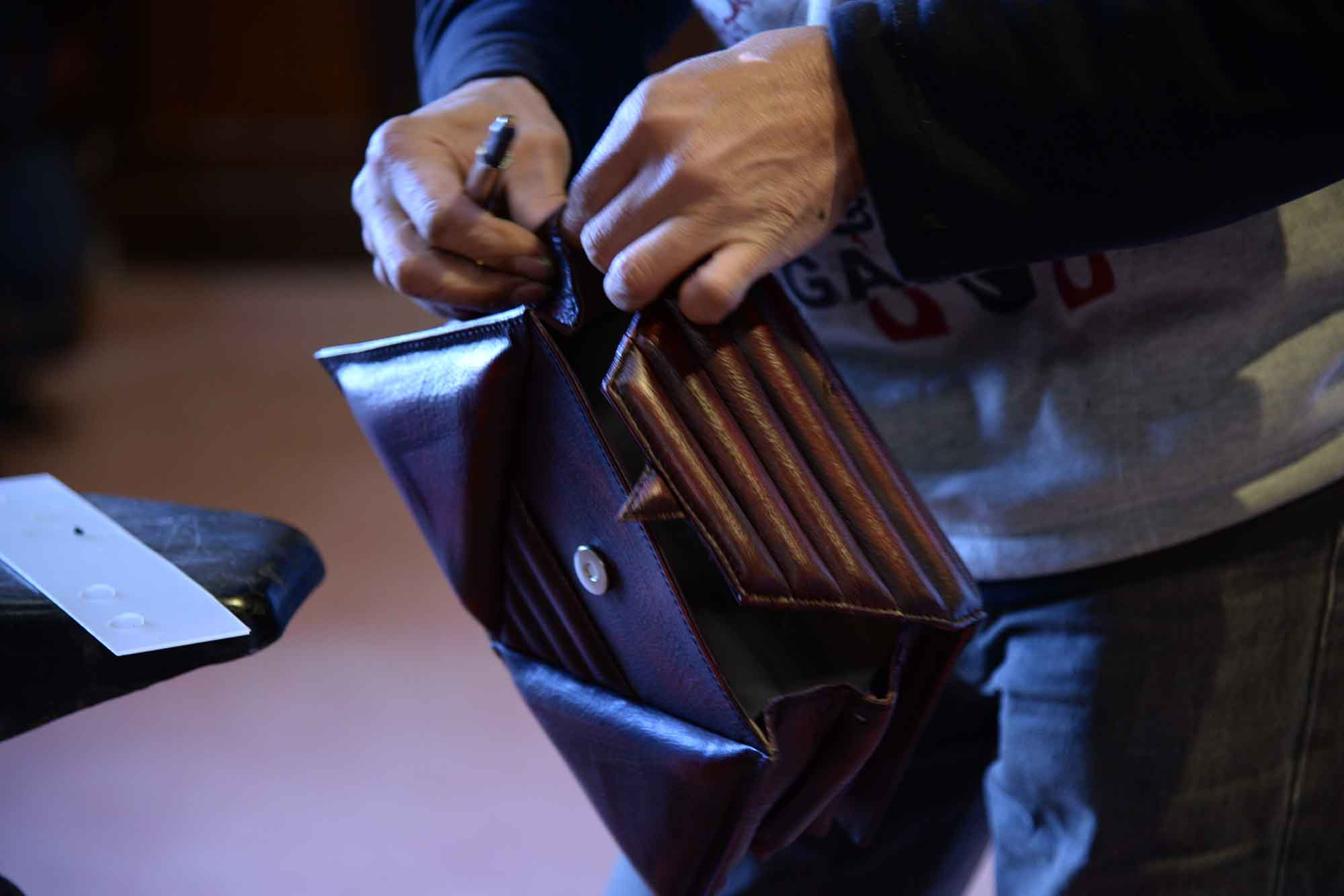 harleq-trianglesbag-made-in-italy-leathers
