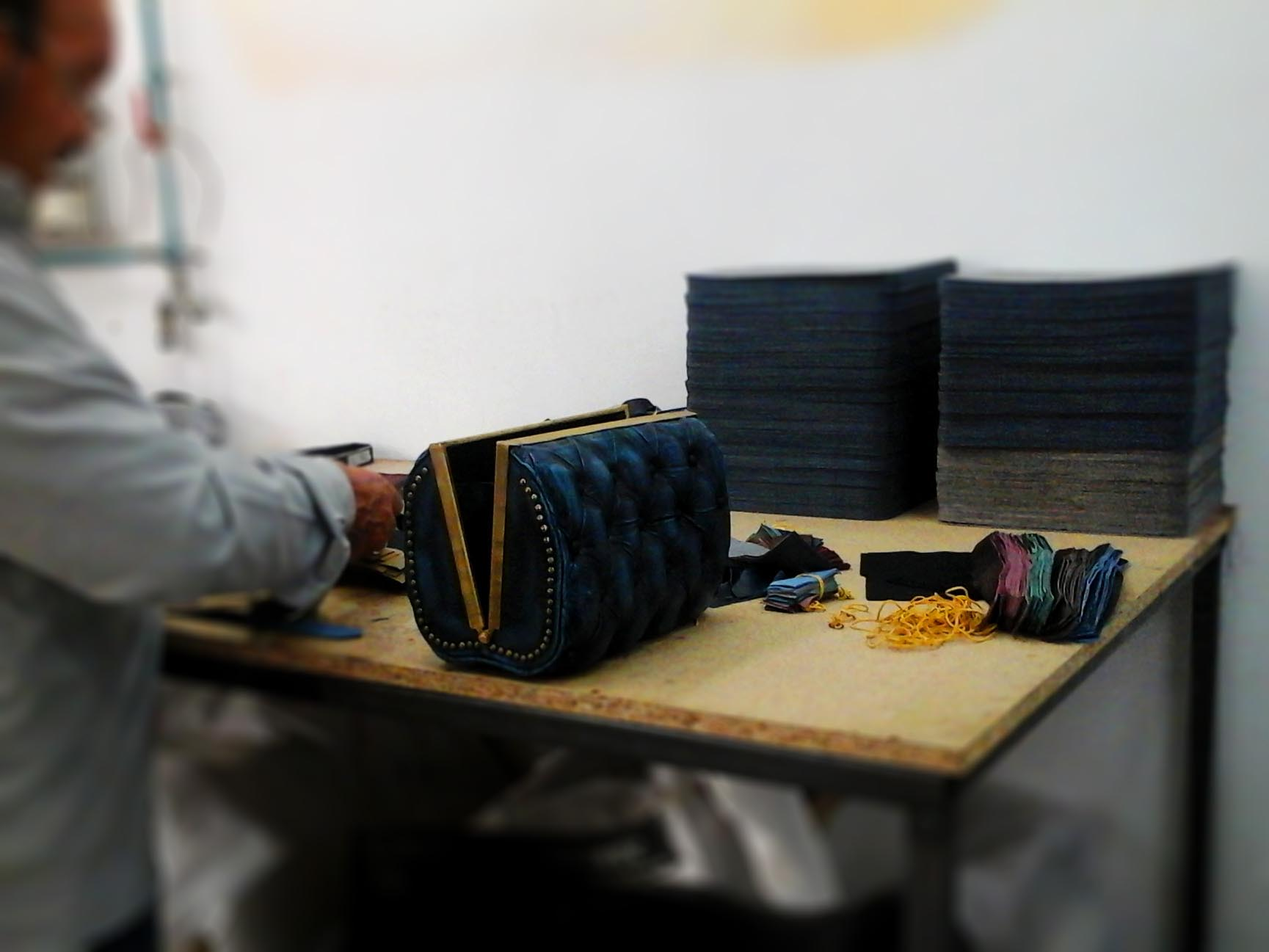 leather-bag-handmade-assembling